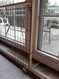 Geöffnetes Tor zur Terrasse